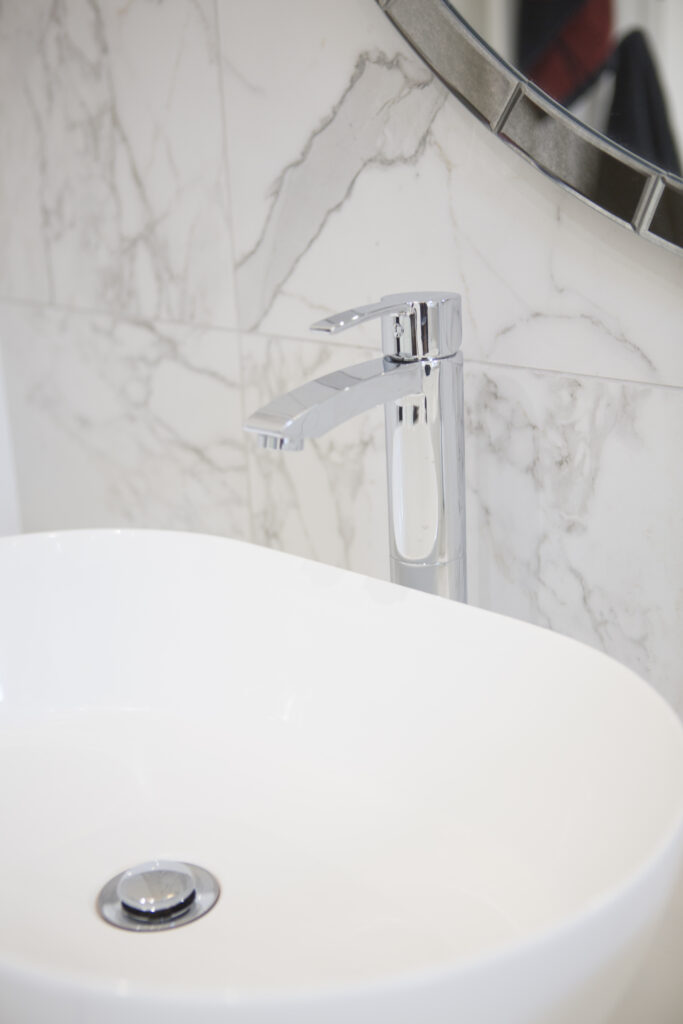 Bespoke fitted modern bathroom designs Berkshire, interior designer Oxfordshire, small bathroom interior design, master bathroom refurbishment, home decor, interior stylist, interior designer London, bespoke bathrooms Oxfordshire, bespoke fitted bathrooms Buckingham, bathro